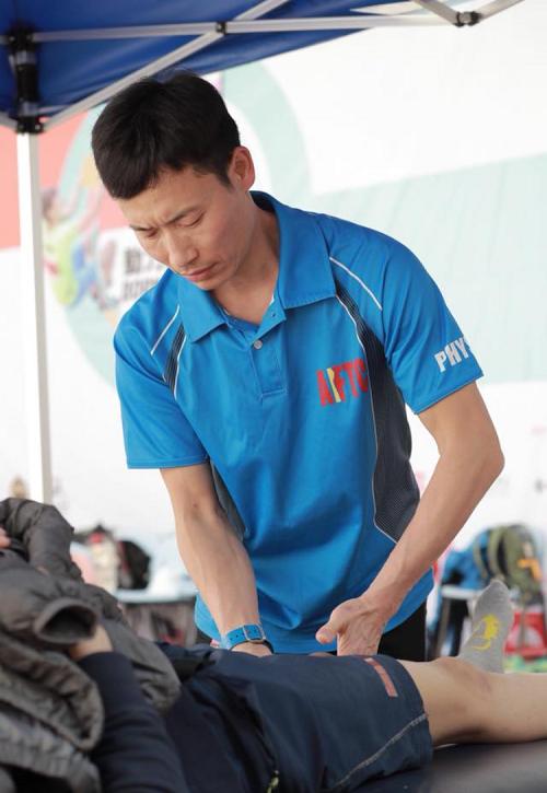 亞洲運動及體適能專業學院(AASFP)課程導師、註冊物理治療師劉建榮(圖由受訪者提供)
