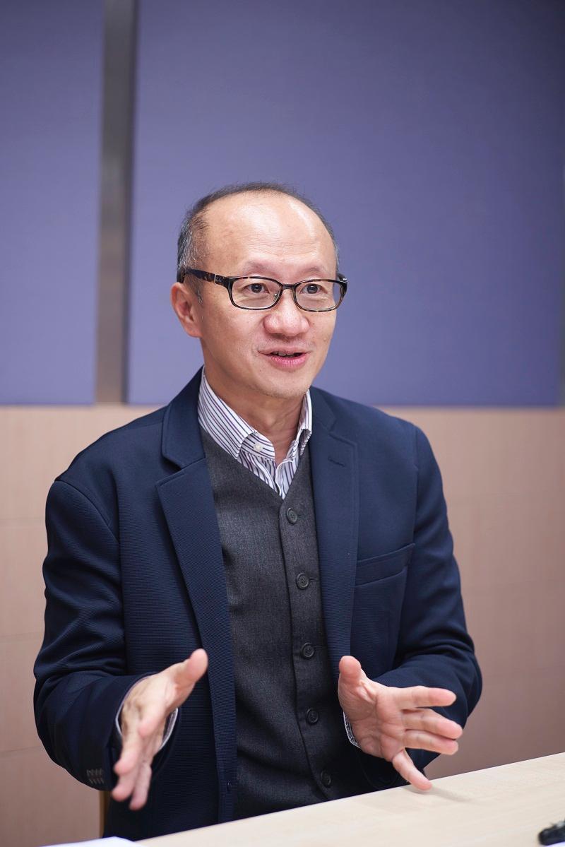 中大內科及藥物治療學系榮譽臨牀教授勞思傑醫生