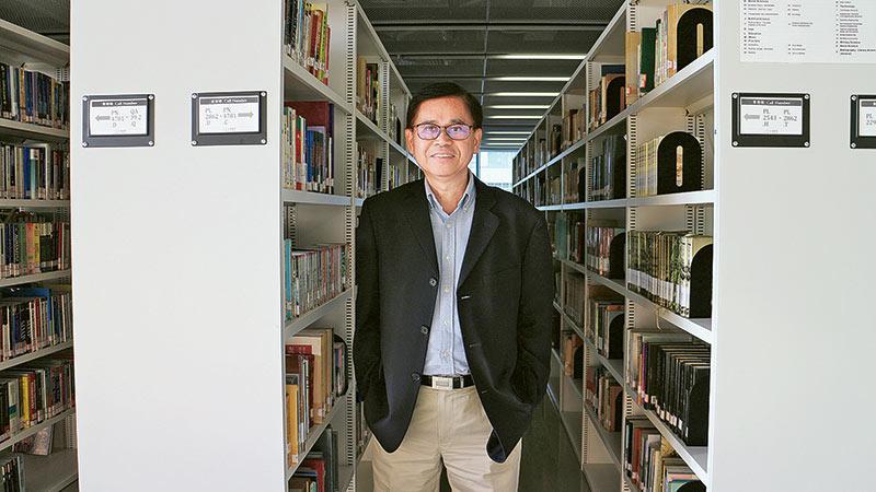珠海學院新聞及傳播學系系主任黃俊東教授
