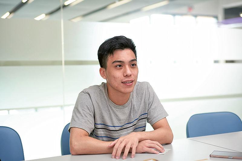 「資訊科學(榮譽)理學士」四年級學生鄧日聰
