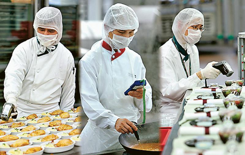 國泰航空飲食服務(香港)近年積極透過「青少年招聘計劃」,致力招募和 打造有志在航膳服務發展的生力軍,讓他們在航膳團隊的不同崗位中發 揮所長。