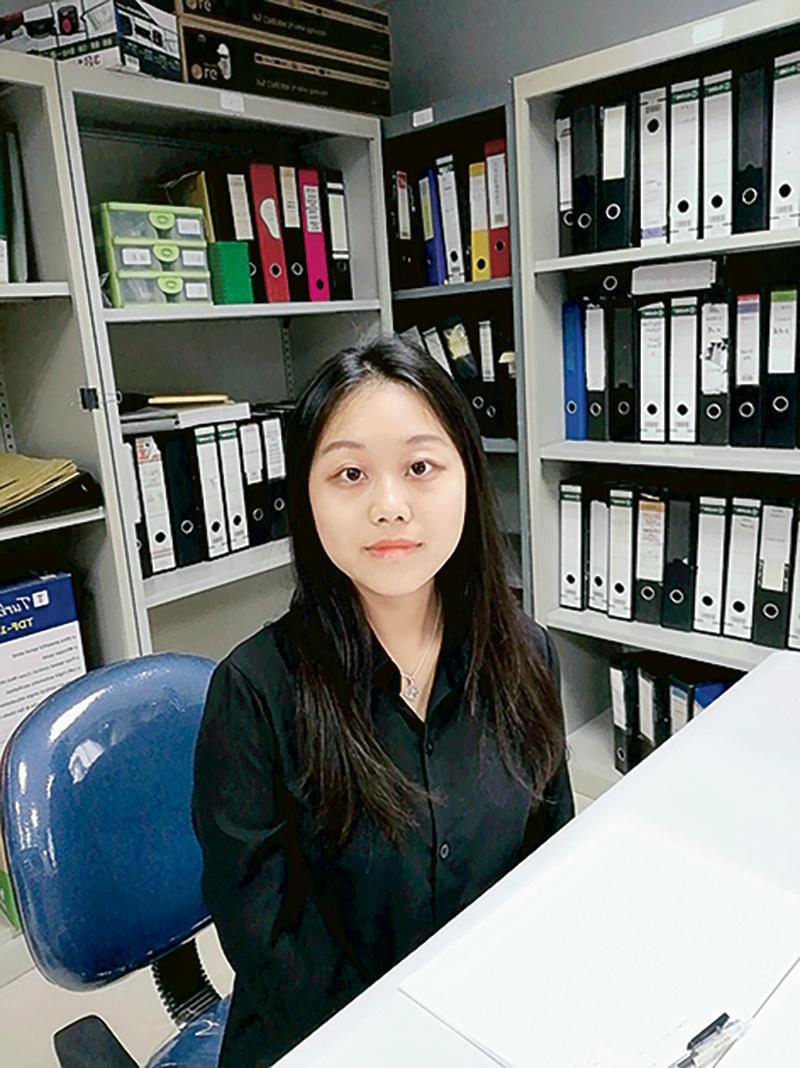 香港浸會大學「環境及公共衛生管理理學碩士學位」課程畢業生吳欣曈 (Iris)