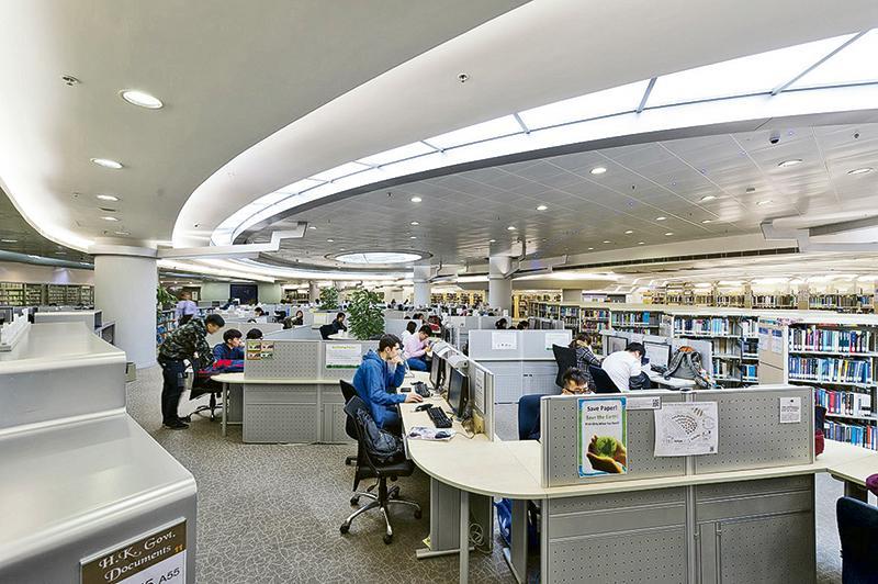 城大校園硬件配套完善,為學員提供良好的學習環境。圖為城大圖書館。