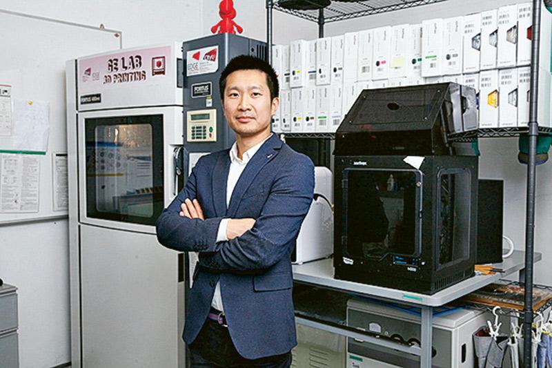 香港城市大學材料科學及工程學系助理教授何慶頌博士寄語學生:「Have a can-do attitude」,要勇於不斷嘗試,不要怕辛苦及失敗。
