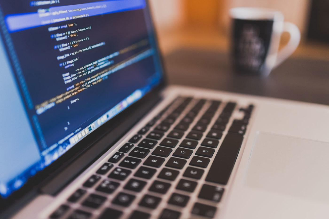 視乎行業的不同,網站的設計也會有所分別,但起碼要有三大基本原則:方便使用 (User-Friendly)、內容豐富 (Content) 和有美觀的介面 (Interface)。(圖:網上圖片)