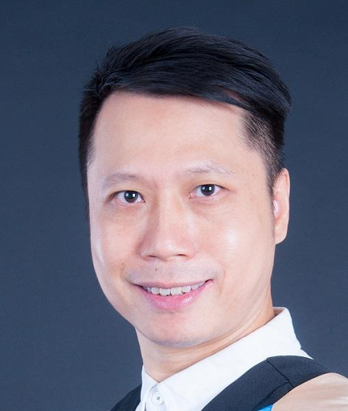 香港城市大學專業進修學院導師梁偉雄