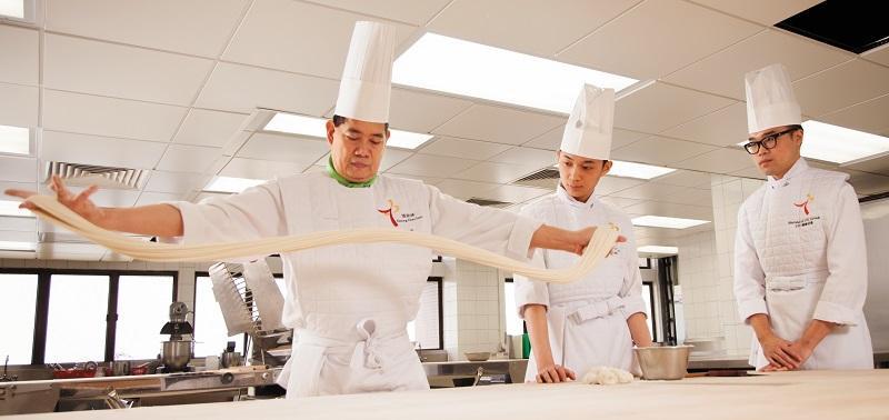 力不到不為「才」,要成為出色的廚師,必須經過磨練,學好基本功是第一環。 (相片由中華廚藝學院提供)