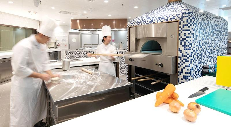 力不到不為「才」,要成為出色的廚師,必須經過磨練,學好基本功是第一環。 (相片由國際廚藝學院提供)
