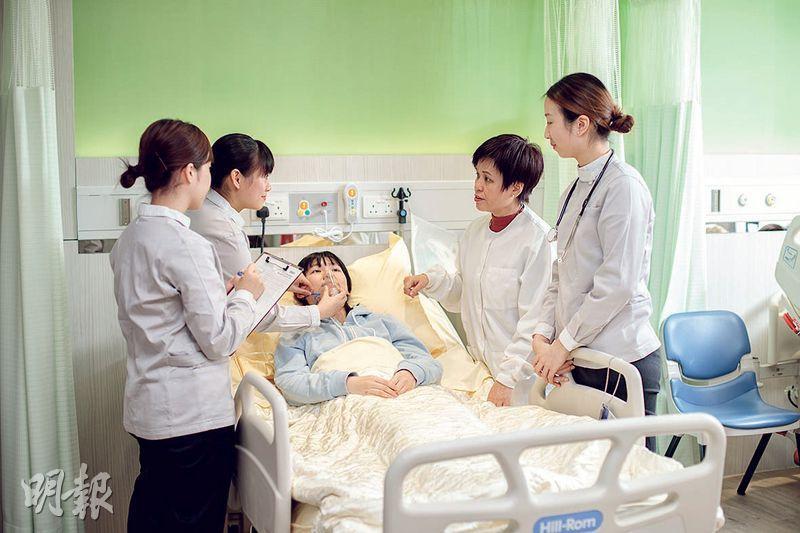 浸會大學持續教育學院辦5年制護理學學士,校方增設4個護理實習室作實踐培訓,設計參照私家醫院規格。(浸大持續教育學院提供)