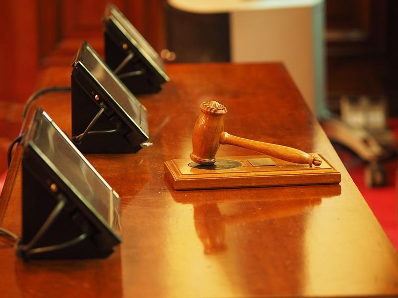 司法機構已批准,具備法律行政人員資格及 3 年法律相關工作經驗者,可在區域法院及高等法院享有有限的出庭發言權。(相片來源:https://pixabay.com/)