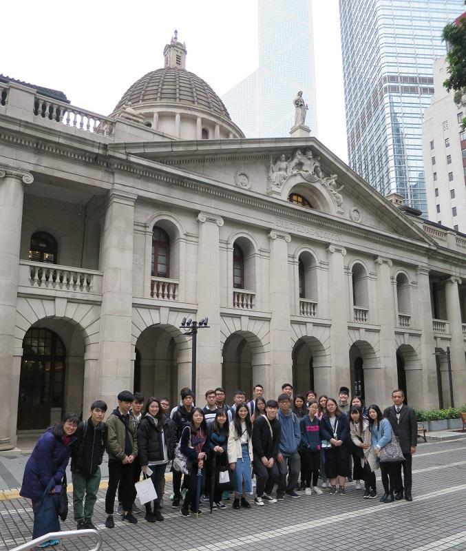 院校會安排學員到終審法院等不同政府及司法機構參觀,以了解不同機構的運作。(相片由IVE提供)