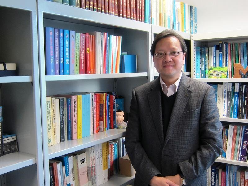 香港公開大學人文社會科學院副院長鄺志良博士