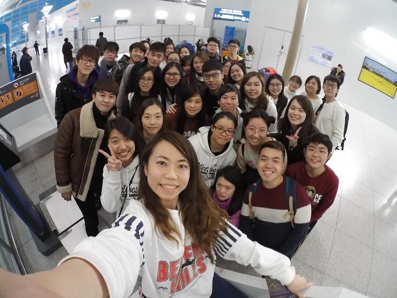 Cman 曾帶領大學生到首爾探討精神健康議題。(受訪者提供)