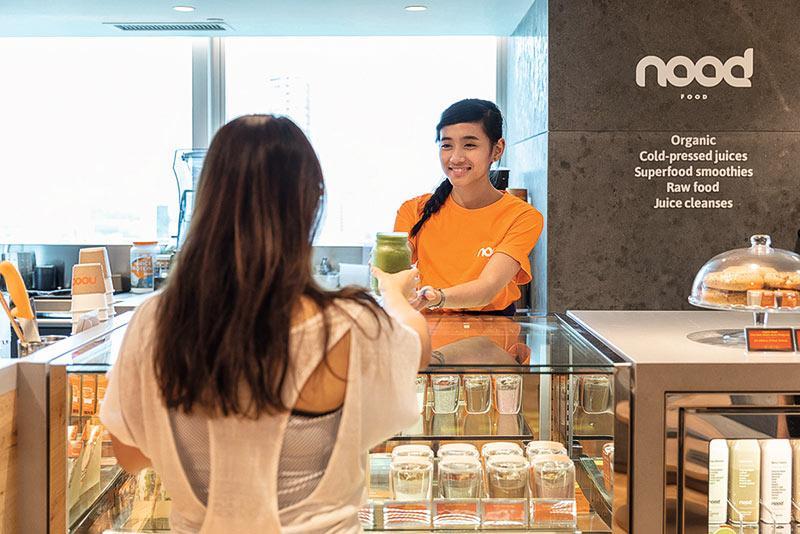 Pure設有不同的前線銷售及客戶服務職位,並提供縱向及橫向的事業發展機會,如nood food健康飲食及Pure Apparel瑜伽運動服飾。