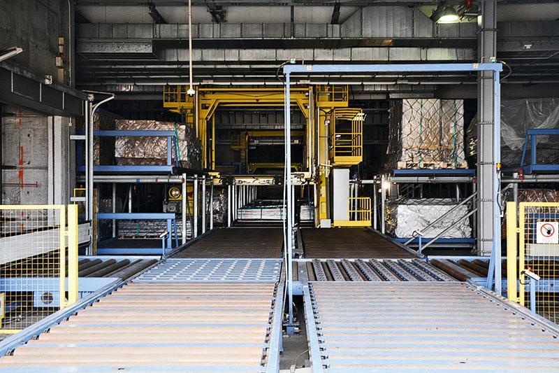全自動的物料處理系統是CPSL的主要骨幹,透過多台貨物升降機和升降轉載車,將每件貨物迅速高效地穿梭於樓高7層的貨運站內。