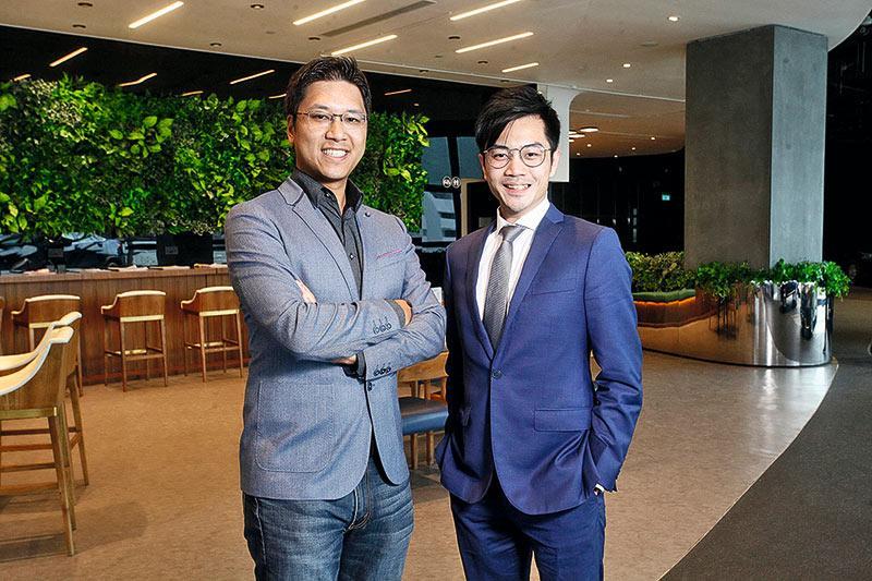 仁孚行集團成員現代汽車香港有限公司(下稱「現代汽車」)常務董事劉佳鳴(Kevin,左)