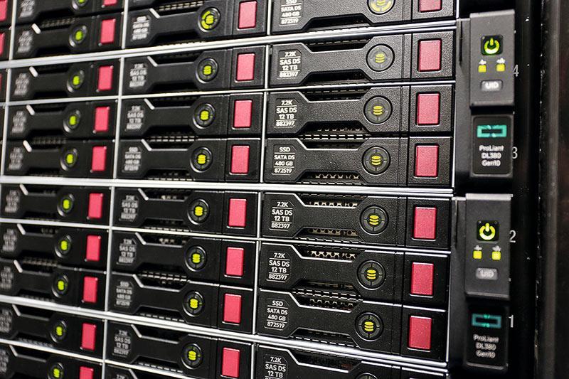 香港大學工程學院計算機科學系已建立先進的GPU Farm,用於高效能平行運算,可供「文理學士(金融科技)」課程學員在進行畢業習作「Capstone Experience」時使用。