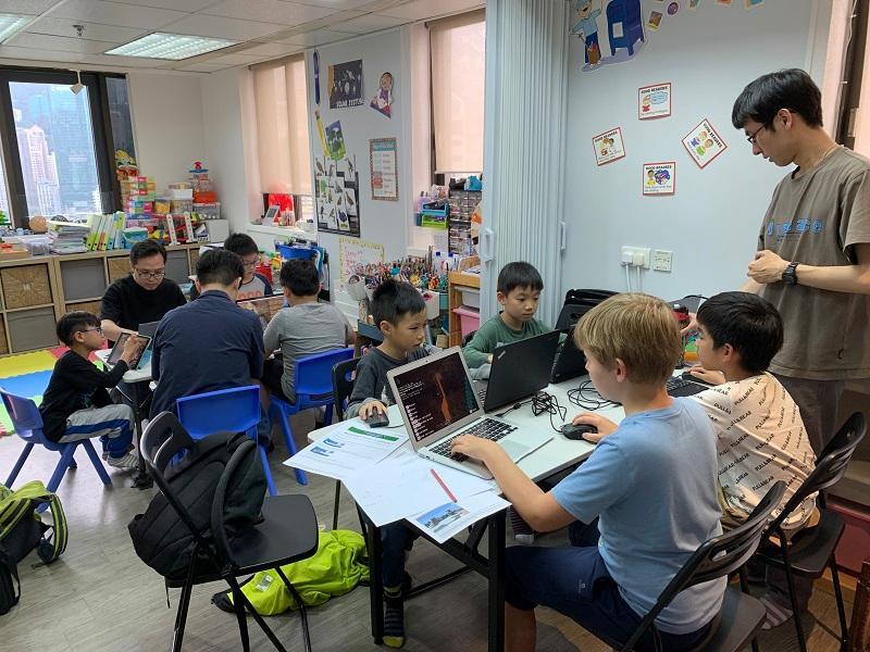 學生的學習速度很快,小小年紀已擁有「驚人」的思維。(圖:受訪者提供)