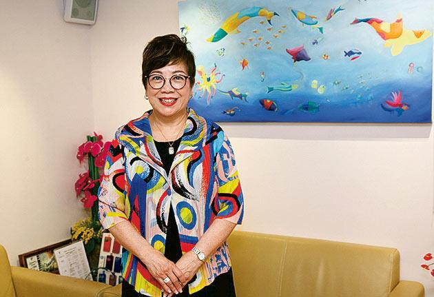 香港護理專科學院創院院長及 浸大持續教育學院護理教育諮詢委員會主席林崇綏博士