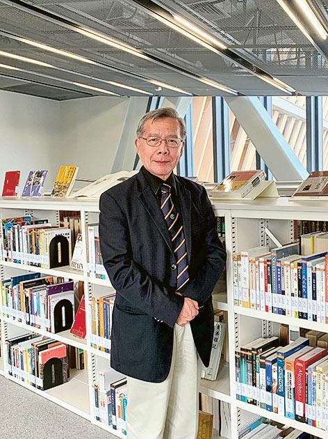 珠海學院英國語文學系系主任陸潤棠教授