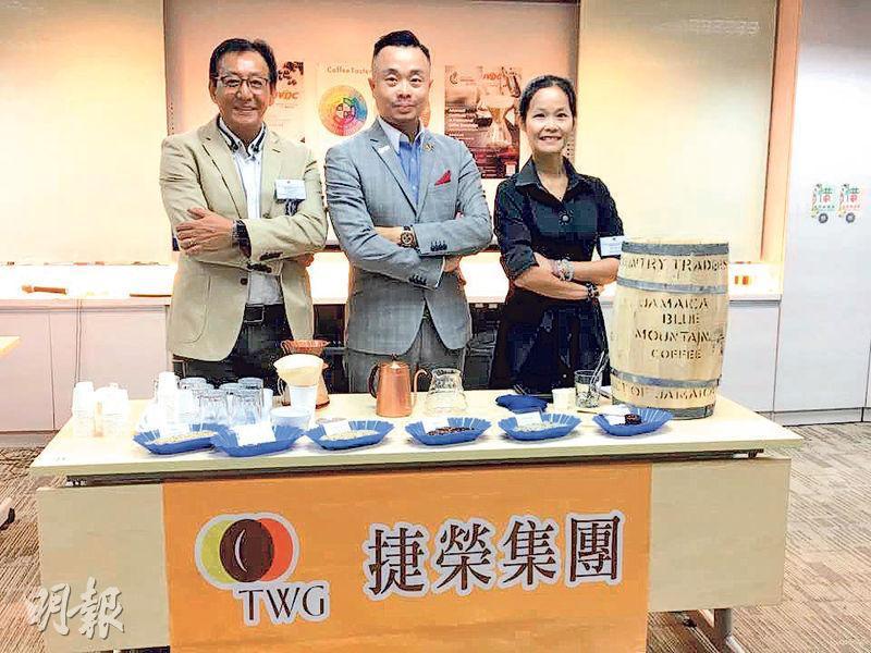 捷榮 Chief Coffee Master Ron Yu(右)指出,學員都對咖啡有興趣,希望開設咖啡店。