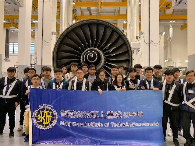 年輕人在不同行業都可以發揮優勢,飛機工程是其一。(圖由香港科技專上書院提供)