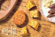 鴨膶月:大歡喜獨家的鴨膶月以豆蓉為主要餡料,拌入鴨膶腸、蛋黃,以及欖仁、瓜子,入口時 帶鹹香,風味獨特。 ($75 / 個)(黃志東攝)