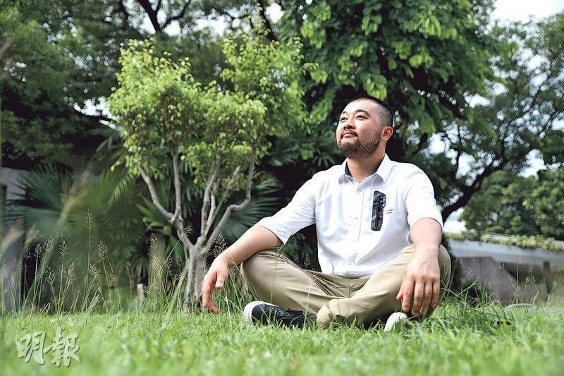 胡俊謙專長戲劇教育,近日參選藝發局選舉藝術教育範疇,希望推動藝術教育納入正規課程。(馮凱鍵攝)