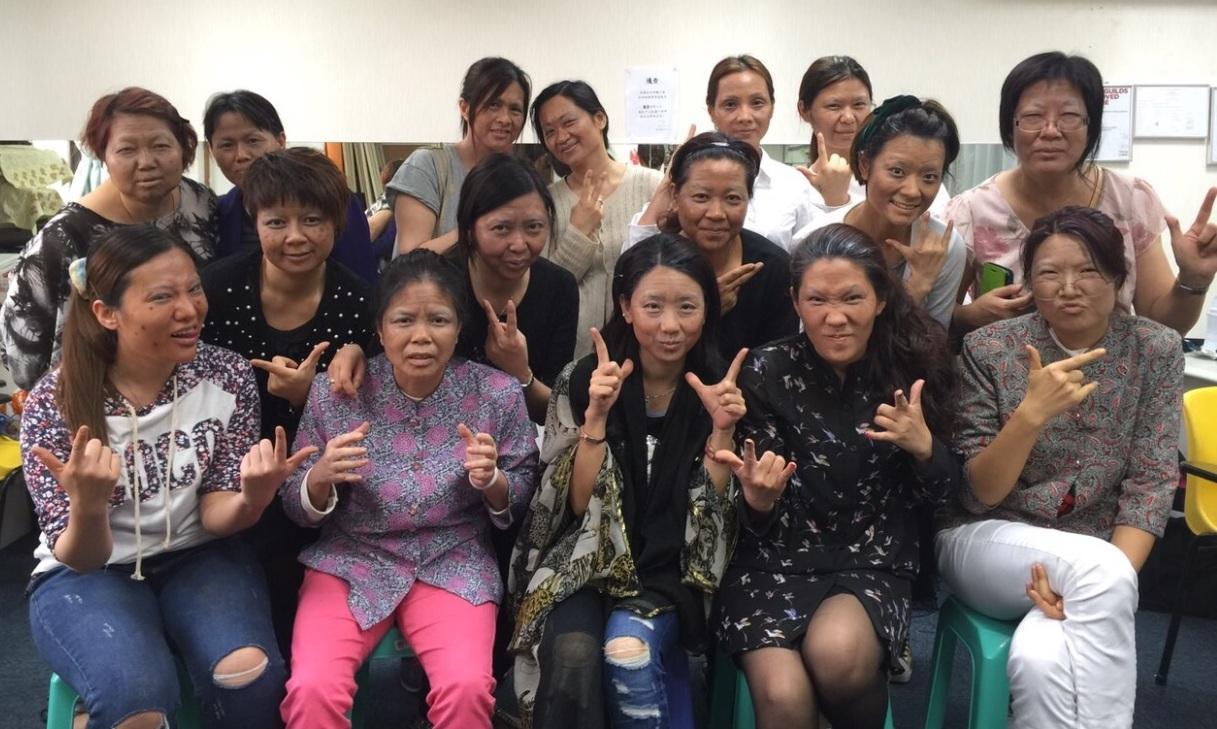 至於特技化妝亦以影視製作為主,例如老人、爛面、燒傷等造型的題材。(香港職工會聯盟培訓中心提供)
