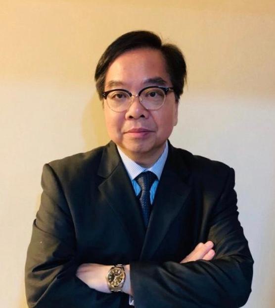 香港公開大學護理及健康學院系主任暨副教授黃家輝博士