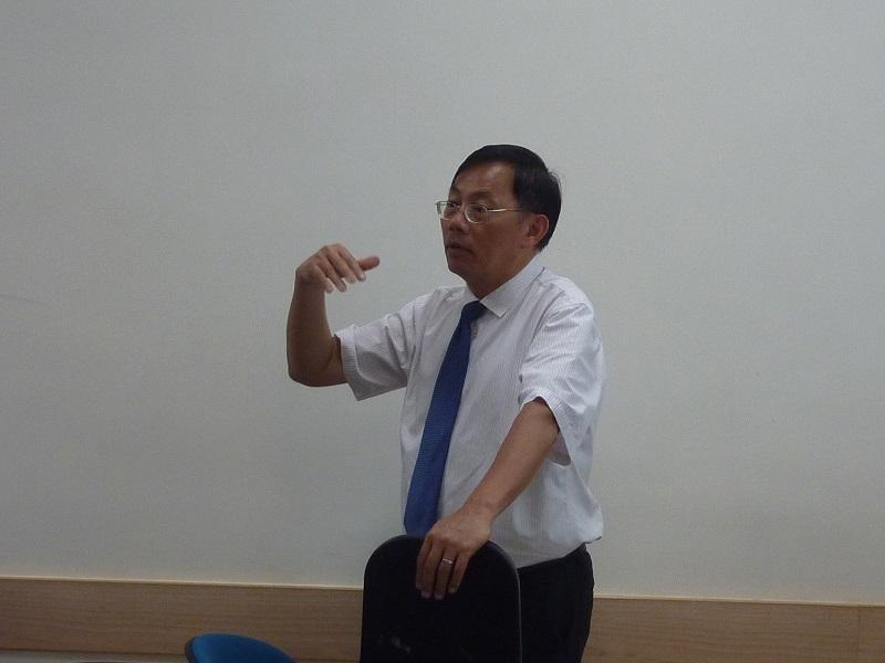 香港教育大學國際教育學系助理教授 (教學)胡少偉博士
