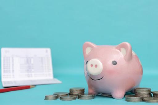 2017 年的調查報告指出,接近九成的在職年輕人都正面對財務困境。(圖:網上圖片)