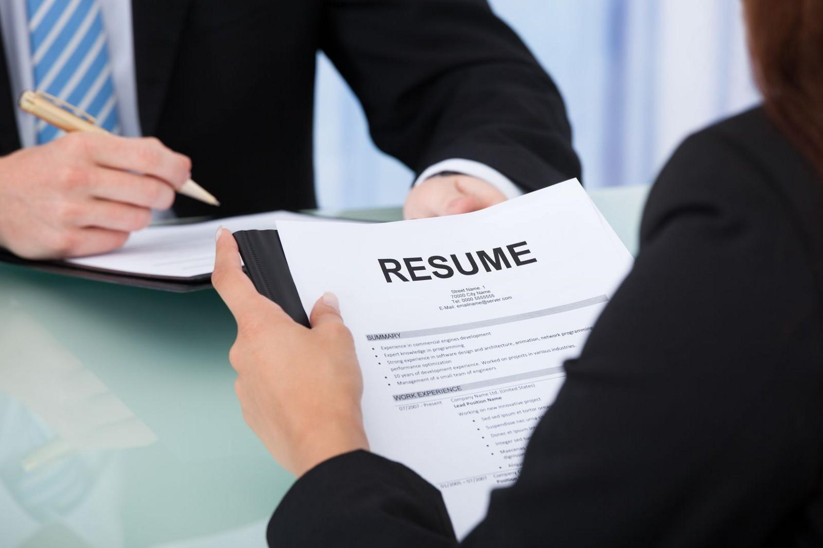 新一年就業市場趨保守,求職者及轉職者應從求職信、CV,以至面試應對做好充分準備。(網上圖片)