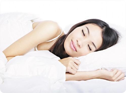 早睡早起——為保存正氣,中醫建議晚上9至11時半入睡,令五臟六腑得到最佳調養和休息。(RyanKing999@iStockphoto,設計圖片)