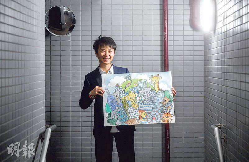 李揚立之醫生以往人手繪畫作品,再掃描至電腦上載至網絡。圖中插畫以香港為主題,除她筆下角色外,也可見香港的著名地標。(鄧宗弘攝)