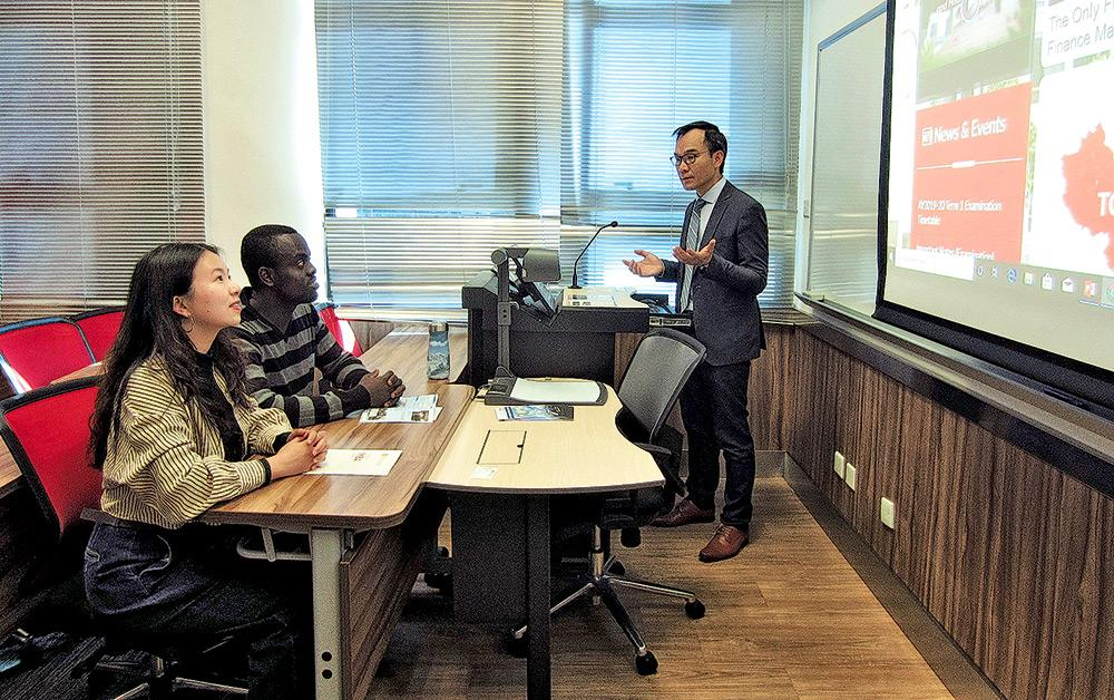 ▲MIBF課程重視國際化元素,約有兩成學員來自海外不同地區,能跟本地生交流,分享各地金融經濟體系的知識和經驗。