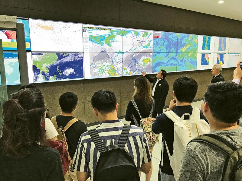 同學們參觀泰國政府的Royal Irrigation Department,從中理解氣候變化、水災和智慧城市防洪的設計。