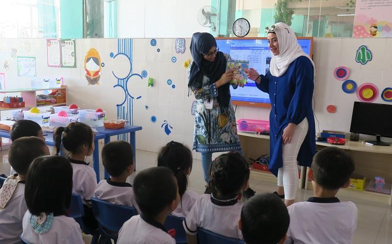 多元文化教學助理負責作為學校、學生和家長的溝通橋樑,支援 NCS 學生的學習需要。