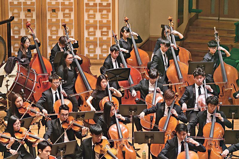 課程會為學員提供不同的公開表演機會,並設有專業訓練及工作坊, 如專業音樂家大師班等, 以汲取台上經驗及獲得多元的學習體驗。