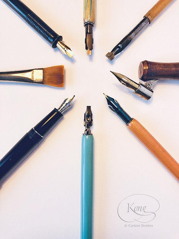 西洋書法設有不少書寫工具,除了可作不同用途外,亦適合不同程度人士使用。
