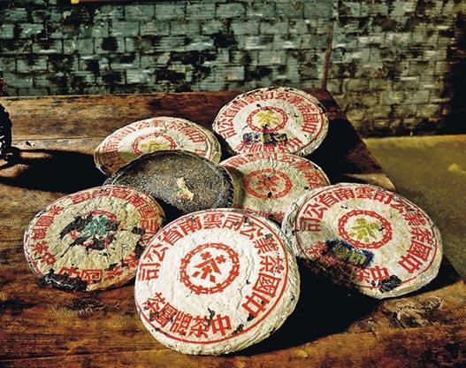 「號」字級一條龍破紀錄成交 百年普洱 陳香俘虜藏家