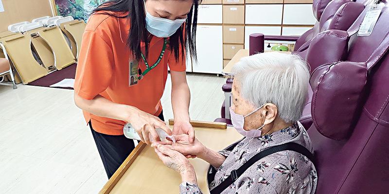 耆康會旗下的長者日間護理中心已為全面恢復服務做足防疫準備。