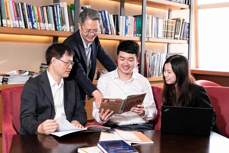 成就年輕人躋身商界領袖