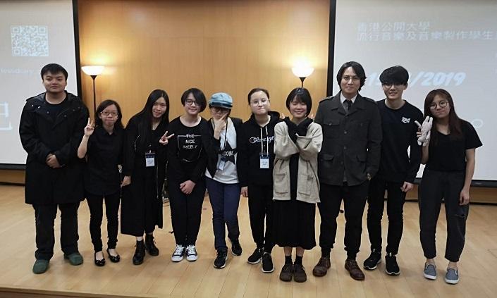 津野邊情譽(左二)表示,學員在音樂劇中要自編自導自演,從中應用所學,增加實務經驗。