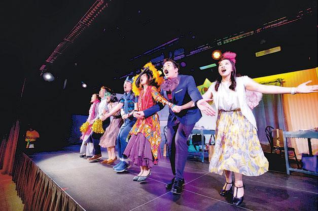 去年由香港兒童音樂劇團舉辦的《爛聲書院》是Chloe回港後第一套參與的舞台劇。她希望疫情過後將有更多試鏡機會,踏上更多舞台。(香港兒童音樂劇團提供)