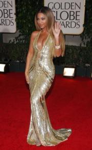 Beyoncé in Elie Saab, 2007.