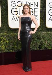 《天煞異降》愛美雅當絲(Amy Adams)飲恨影后,但穿著Tom Ford設計的她贏得不少掌聲。