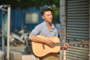 這幕台南外景戲未播映,王浩信就最鍾意這幕,他又自彈自唱,究竟發生咩事呢?