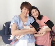 楊采妮於今年3月生孖B Ignatius & Aloysius,有好友梁詠琪幫手湊。