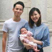 吳若希跟Alex和女兒淼淼,快樂家庭。